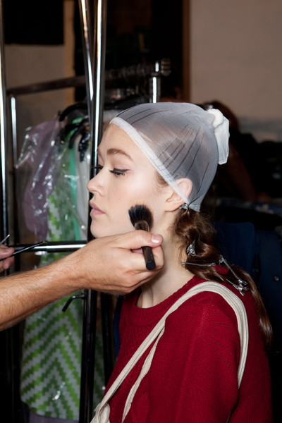 Mila Schön at Milan Spring 2013 (Backstage)
