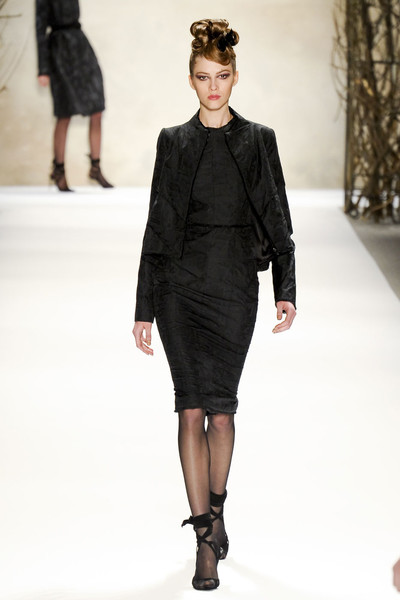 Monique Lhuillier at New York Fall 2011