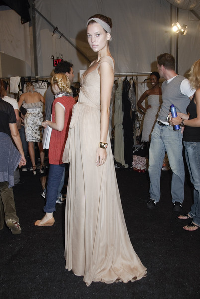 Monique Lhuillier at New York Spring 2008 (Backstage)