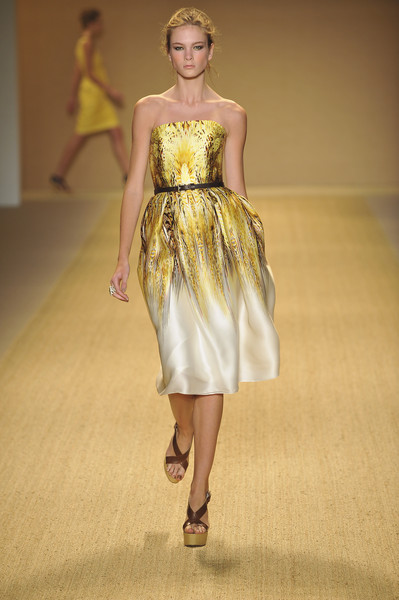 Monique Lhuillier at New York Spring 2009