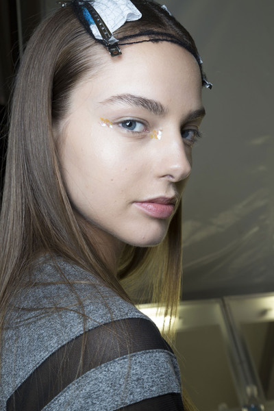 Monique Lhuillier at New York Spring 2015 (Backstage) [hair,face,eyebrow,lip,hairstyle,beauty,forehead,chin,head,fashion,monique lhuillier,head,fashion,hair,face,eyebrow,beauty,forehead,beauty.m,new york fashion week,fashion,beauty.m]
