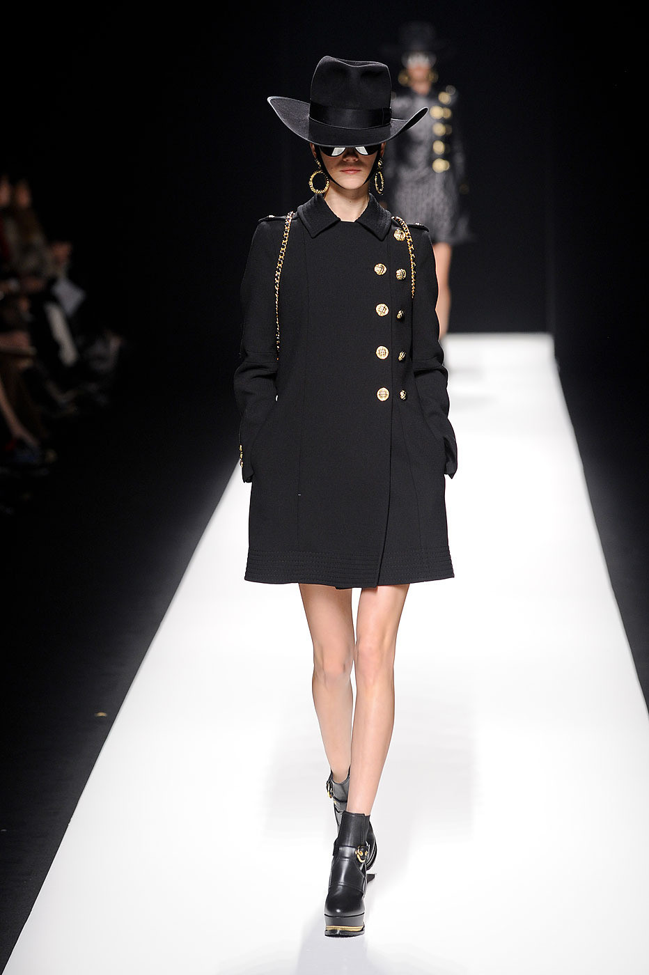 Moschino Fall Winter 2014 15 Women S Collection: Moschino Fall 2012 Runway Pictures