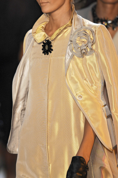 Moschino at Milan Spring 2007 (Details)