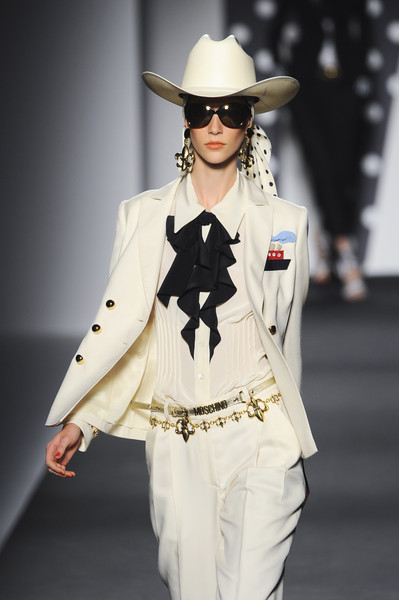 Moschino at Milan Spring 2011