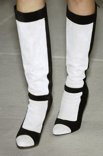 Narciso Rodriguez at New York Fall 2006 (Details) [white,footwear,sock,shoe,leg,joint,human leg,ankle,personal protective equipment,fashion accessory,shoe,footwear,sock,fashion accessory,narciso rodriguez,leg,white,joint,equipment,new york fashion week,shoe]