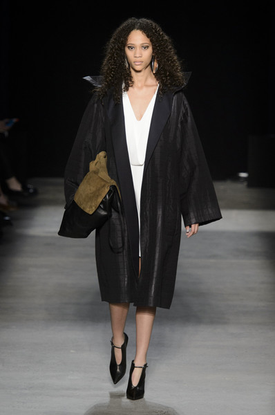 Narciso Rodriguez at New York Fall 2016 [fashion model,fashion show,runway,fashion,clothing,outerwear,public event,human,coat,shoulder,outerwear,narciso rodriguez,vivienne westwood,fashion,runway,clothing,fashion week,new york fashion week,fashion show,paris fashion week,vivienne westwood,runway,paris fashion week,fashion,fashion week,fashion show,ready-to-wear,clothing,autumn,model]