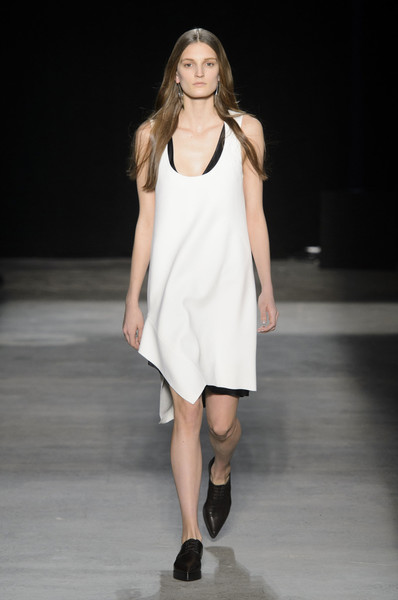 Narciso Rodriguez at New York Fall 2016 [fashion show,fashion model,runway,fashion,clothing,white,dress,shoulder,public event,footwear,supermodel,narciso rodriguez,fashion,runway,fashion week,model,clothing,new york fashion week,fashion show,paris fashion week,runway,fashion,paris fashion week,fashion show,model,supermodel,fashion week,harpers bazaar,autumn]