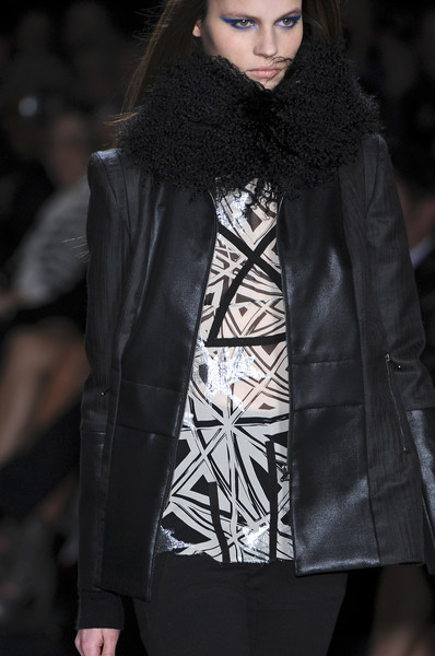 Nicole Miller at New York Fall 2009 (Details)