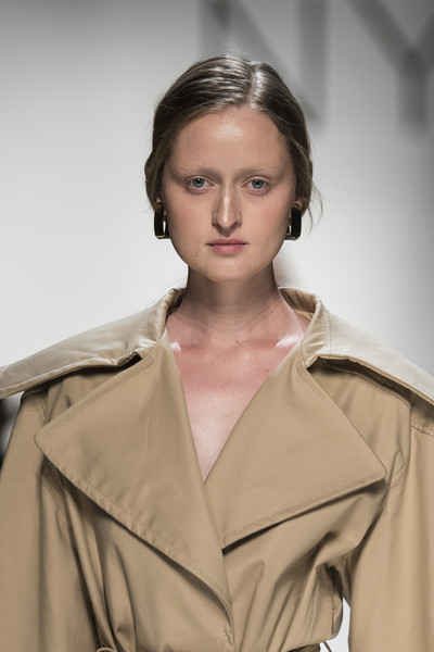 Nynne By Istituto Marangoni at Milan Spring 2020 (Details)