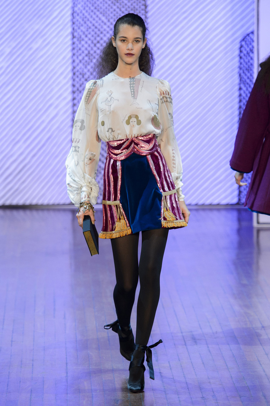Buy Fall le tan olympia runway review pictures trends