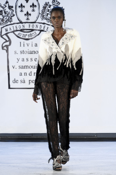 On Aura Tout Vu at Couture Spring 2011