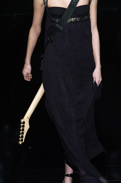 Paola Frani at Milan Fall 2006 (Details)
