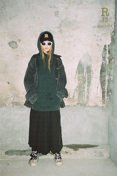 R13 at New York Fall 2021 [glasses,outerwear,hairstyle,sunglasses,vision care,eyewear,street fashion,textile,sleeve,tartan,sunglasses,outerwear,trousers,tartan,fashion,clothing,vision care,eyewear,street fashion,new york fashion week,fashion,t-shirt,clothing,tartan,ready-to-wear,skirt,sunglasses,trousers,outerwear / m,r13]