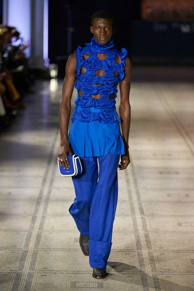Richard Malone X Mulberry at London Spring 2022 [fashion,sleeve,runway,waist,trunk,fashion design,electric blue,formal wear,street fashion,event,richard malone x,fashion,blue,cobalt blue,runway,joint,electric blue m,street fashion,london fashion week,fashion show,cobalt blue / m,fashion,fashion show,electric blue m,electric blue / m,joint,runway,haute couture,shoe]
