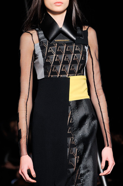 Roland Mouret at Paris Fall 2014 (Details)