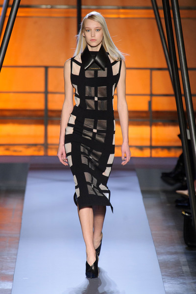 Roland Mouret at Paris Fall 2014