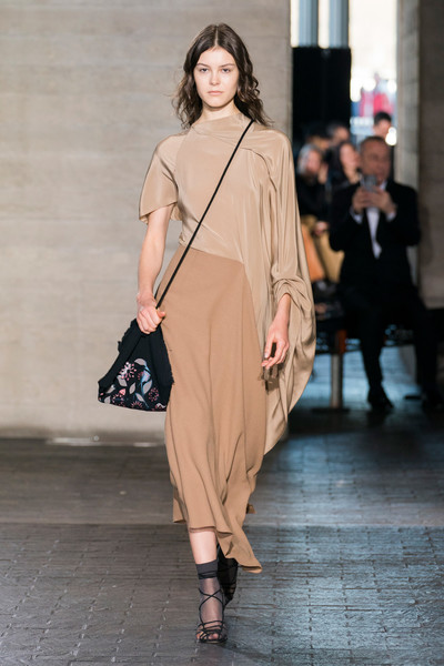 Roland Mouret at London Fall 2019