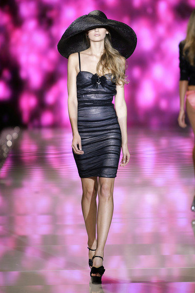Seduzioni Diamonds Valeria Marini at Milan Spring 2009