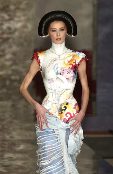 Seredin & Vasiliev at Couture Spring 2002 [couture spring 2002,image,fashion,fashion model,clothing,beauty,fashion show,yellow,runway,fashion design,dress,tradition,seredin handels,fashion,seredin,runway,haute couture,model,vasiliev,fashion show,runway,fashion show,fashion,model,supermodel,haute couture,livingly,image,auto seredin handels,ivan vasiliev]