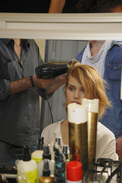 Sharon Wauchob at Paris Spring 2012 (Backstage)
