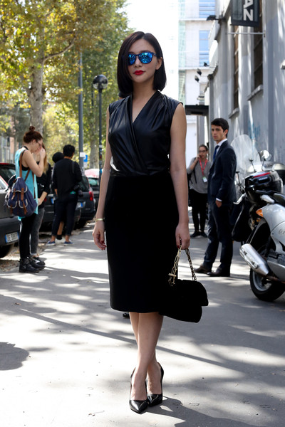 All Black Outfit Bright Lips Street Style Spotlight The Little