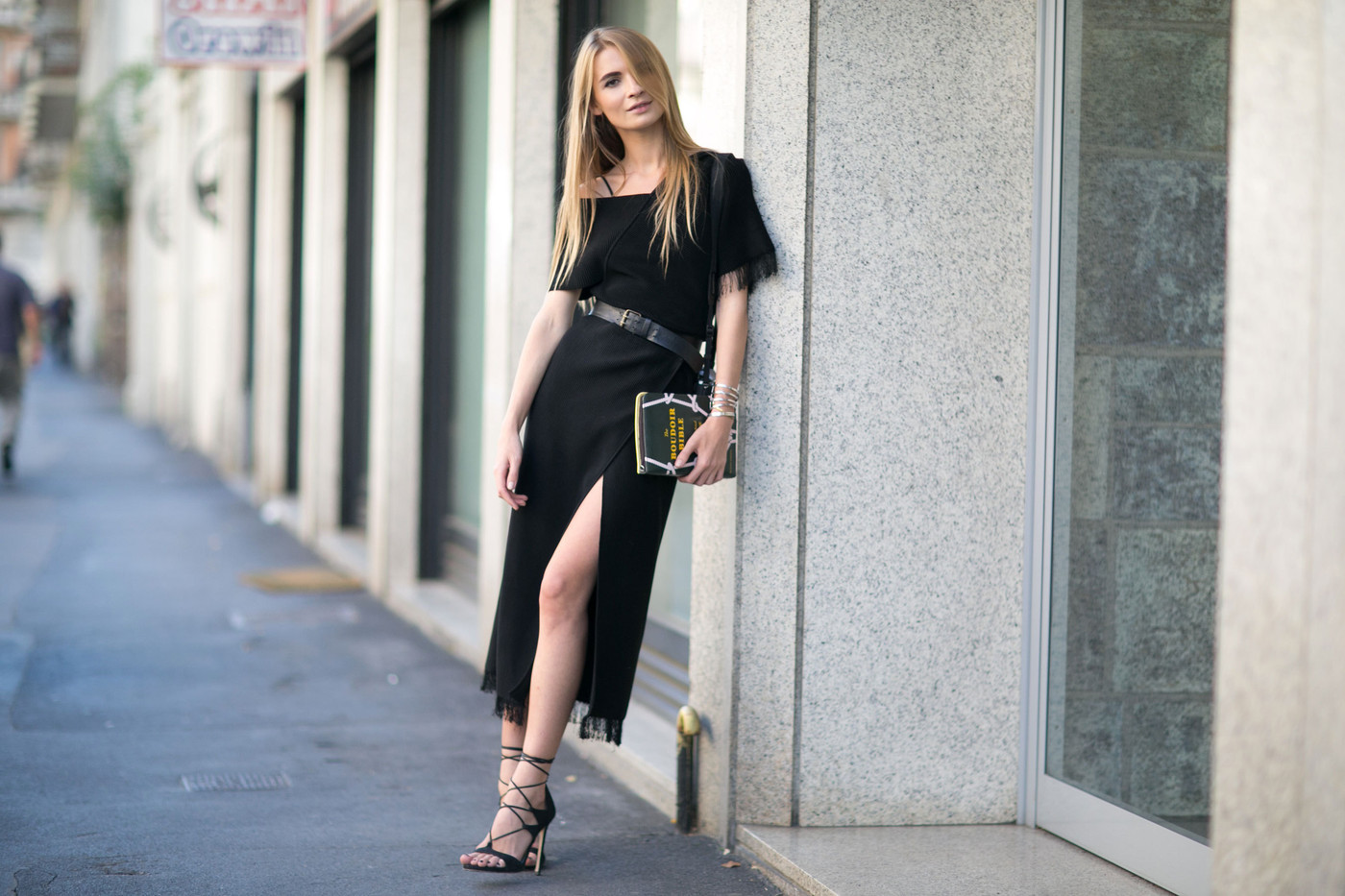 Casual Black The Best Street Style At Milan Fashion Week Spring 2016 Livingly