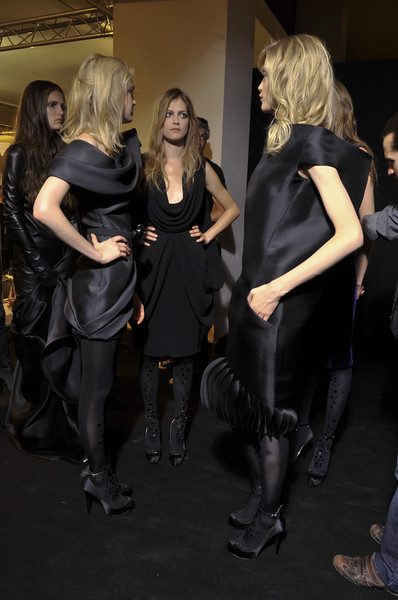 Stéphane Rolland at Couture Fall 2010 (Backstage)