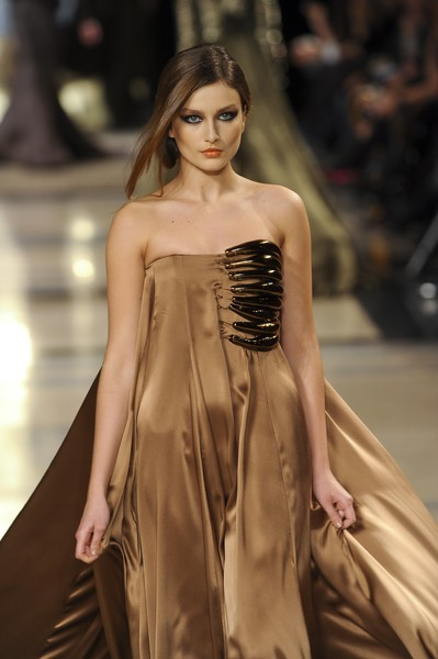 Stéphane Rolland at Couture Spring 2011 [fashion model,fashion,fashion show,runway,clothing,haute couture,shoulder,dress,model,hairstyle,socialite,supermodel,stephane rolland,fashion,haute couture,runway,model,fashion model,couture spring 2011,fashion show,runway,fashion show,model,supermodel,haute couture,fashion,socialite]
