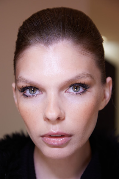 Stéphane Rolland at Couture Spring 2020 (Backstage) [stephane rolland,eye liner,makeup,eye shadow,model,beauty,sales,price,photography,couture spring 2020,eye shadow,eye liner,facial makeup,model,beauty,photography,close-up,\u30c7\u30b3\u30eb\u30c6,sales,price]