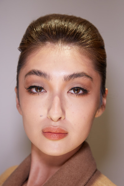 Stéphane Rolland at Couture Spring 2020 (Backstage) [face,hair,eyebrow,forehead,lip,skin,chin,cheek,hairstyle,beauty,stephane rolland,forehead,beauty,spring,lip,seam,face,lip,couture spring 2020,fashion show,forehead,summer,beauty,fashion show,spring,seam,2020,lip,st\u00e9phane rolland]