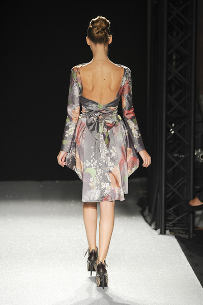 Talbot Runhof at Paris Spring 2011