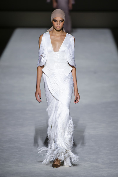 Tom Ford at New York Spring 2019 [fashion model,fashion,fashion show,runway,clothing,dress,white,gown,haute couture,wedding dress,dress,tom ford,joan smalls,fashion,runway,fashion week,spring,clothing,new york fashion week,fashion show,joan smalls,new york fashion week,fashion show,fashion,spring,ready-to-wear,fashion week,dress,runway,summer]
