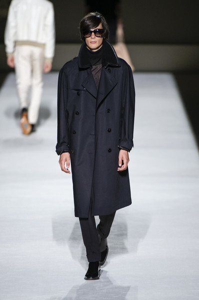 Tom Ford at New York Spring 2019 [fashion show,runway,fashion,fashion model,clothing,outerwear,overcoat,coat,human,public event,outerwear,tom ford,fashion,fashion week,spring,fashion model,clothing,coat,new york fashion week,fashion show,tom ford,new york fashion week,fashion show,fashion,spring,fashion week,ready-to-wear,summer,designer,akris]