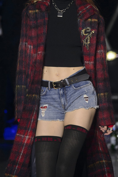 Tommy Hilfiger at London Fall 2017 (Details)