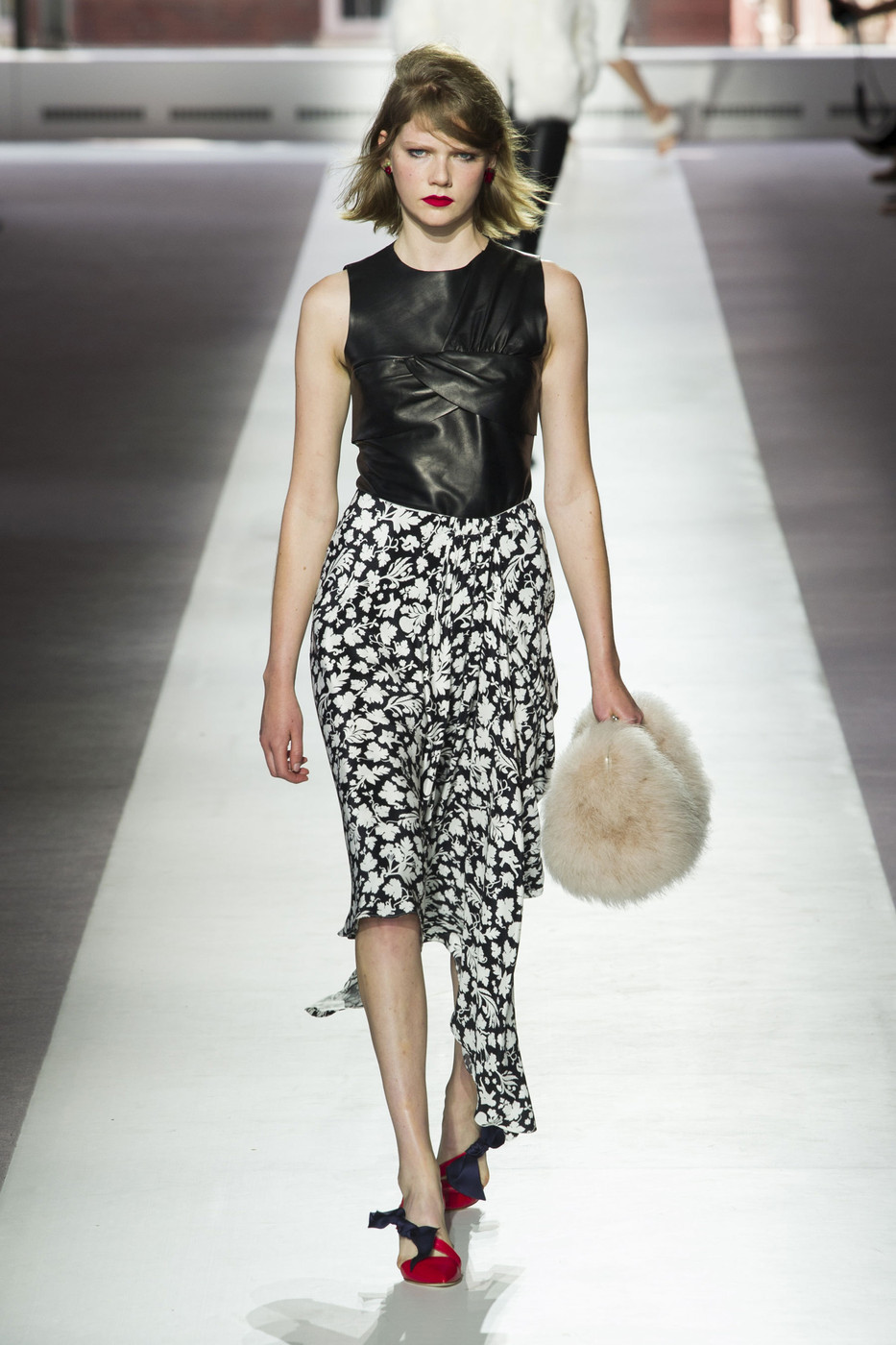 Topshop Unique Spring 2016 Runway Pictures