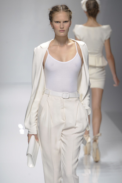 Valentin Yudashkin at Paris Spring 2011