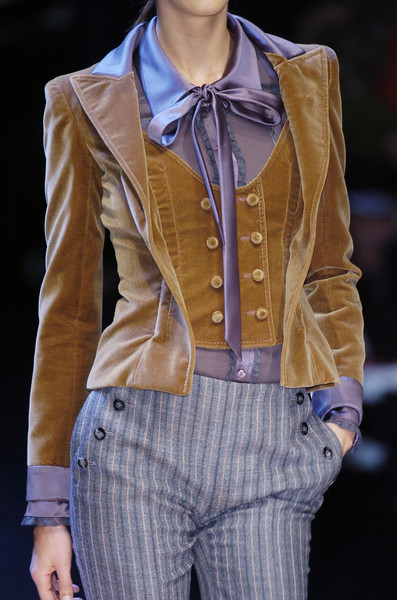 Valentino at Paris Fall 2005 (Details)