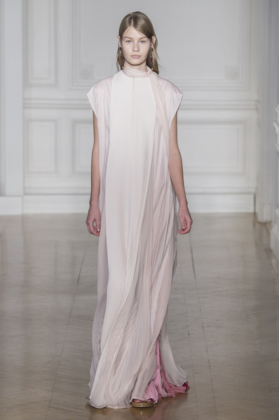 Valentino at Couture Spring 2017 [fashion model,clothing,fashion,fashion show,dress,haute couture,runway,shoulder,gown,formal wear,valentino,haute couture,fashion,runway,spring,model,fashion model,fashion week,couture spring 2017,fashion show,sofia mechetner,fashion show,fashion,haute couture,fashion week,valentino,runway,spring,model]