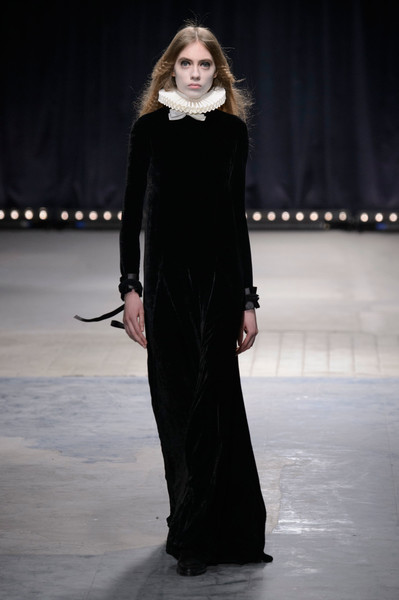 Veronique Branquinho at Paris Fall 2016
