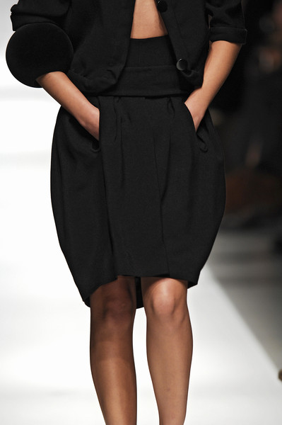 Véronique Leroy at Paris Spring 2007 (Details)