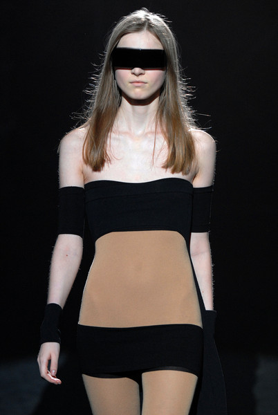 Véronique Leroy at Paris Spring 2008 (Details)
