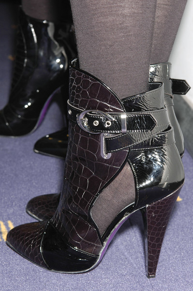 Versace at Milan Fall 2006 (Details)