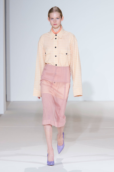 Victoria Beckham at New York Spring 2018 [fashion show,fashion,runway,fashion model,clothing,pink,public event,beige,haute couture,event,victoria beckham,runway,fashion,fashion week,spring,pastel,fashion model,new york fashion week,fashion show,event,victoria beckham,runway,new york fashion week,spring,fashion week,go fug yourself,fashion,summer,fashion show,pastel]
