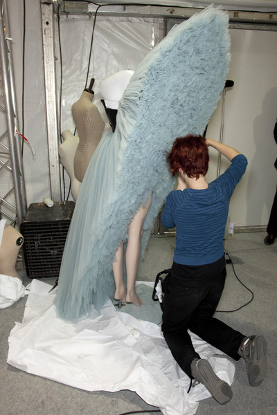 Viktor & Rolf at Paris Spring 2010 (Backstage)