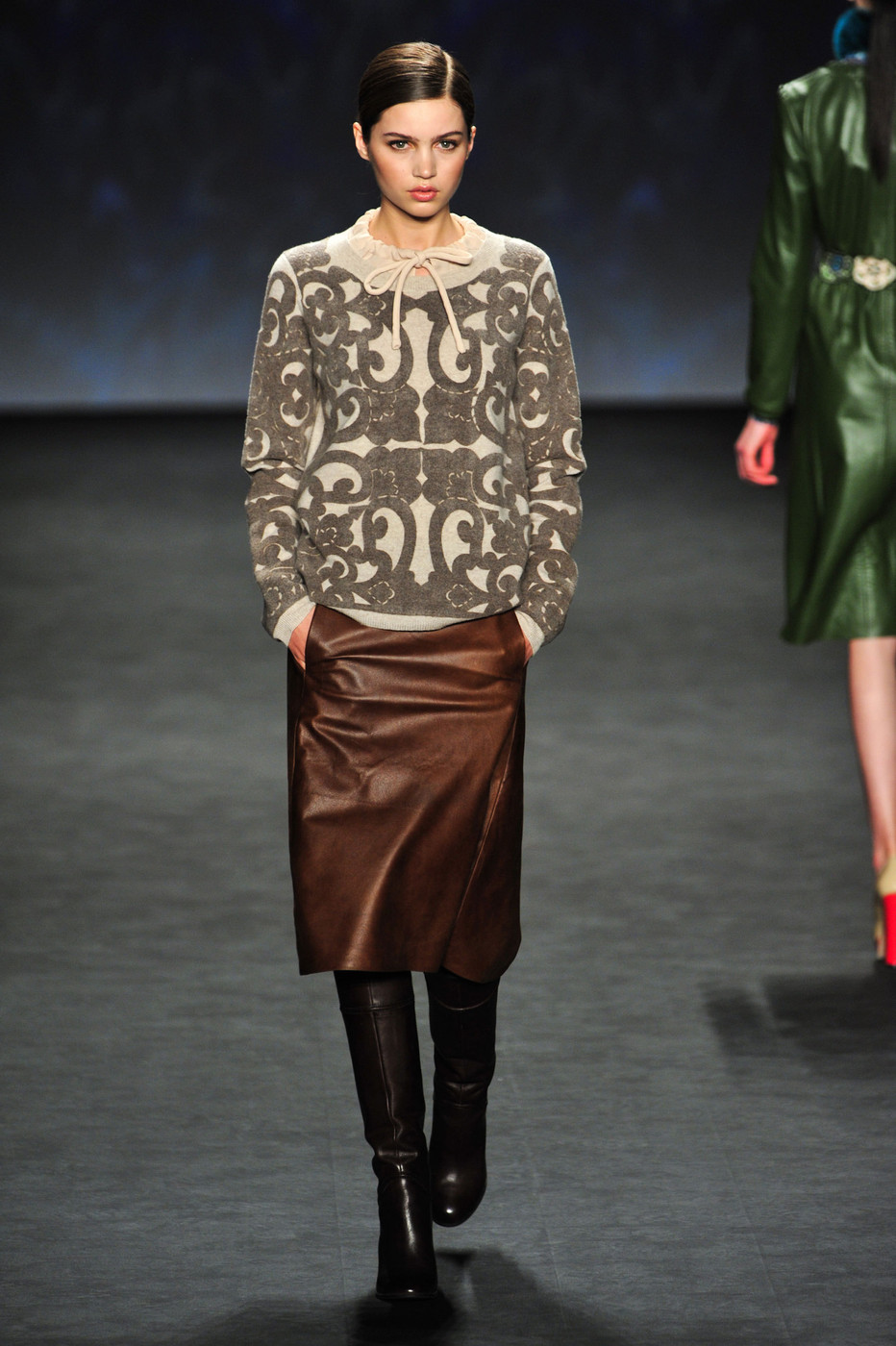 Vivienne Tam Fall 2014 Runway Pictures - Livingly