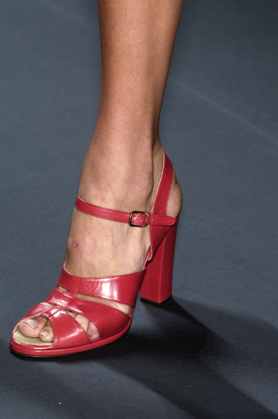 Vivienne Tam at New York Spring 2006 (Details)