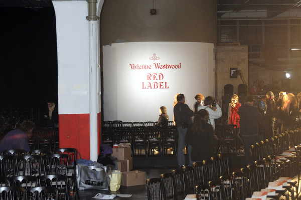 Vivienne Westwood Red Label at London Fall 2008 (Backstage)