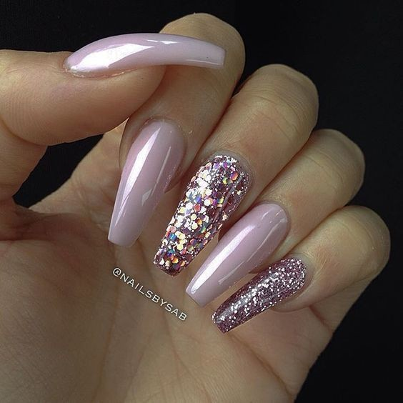 baby pink glitter these holographic nails will give you. Black Bedroom Furniture Sets. Home Design Ideas