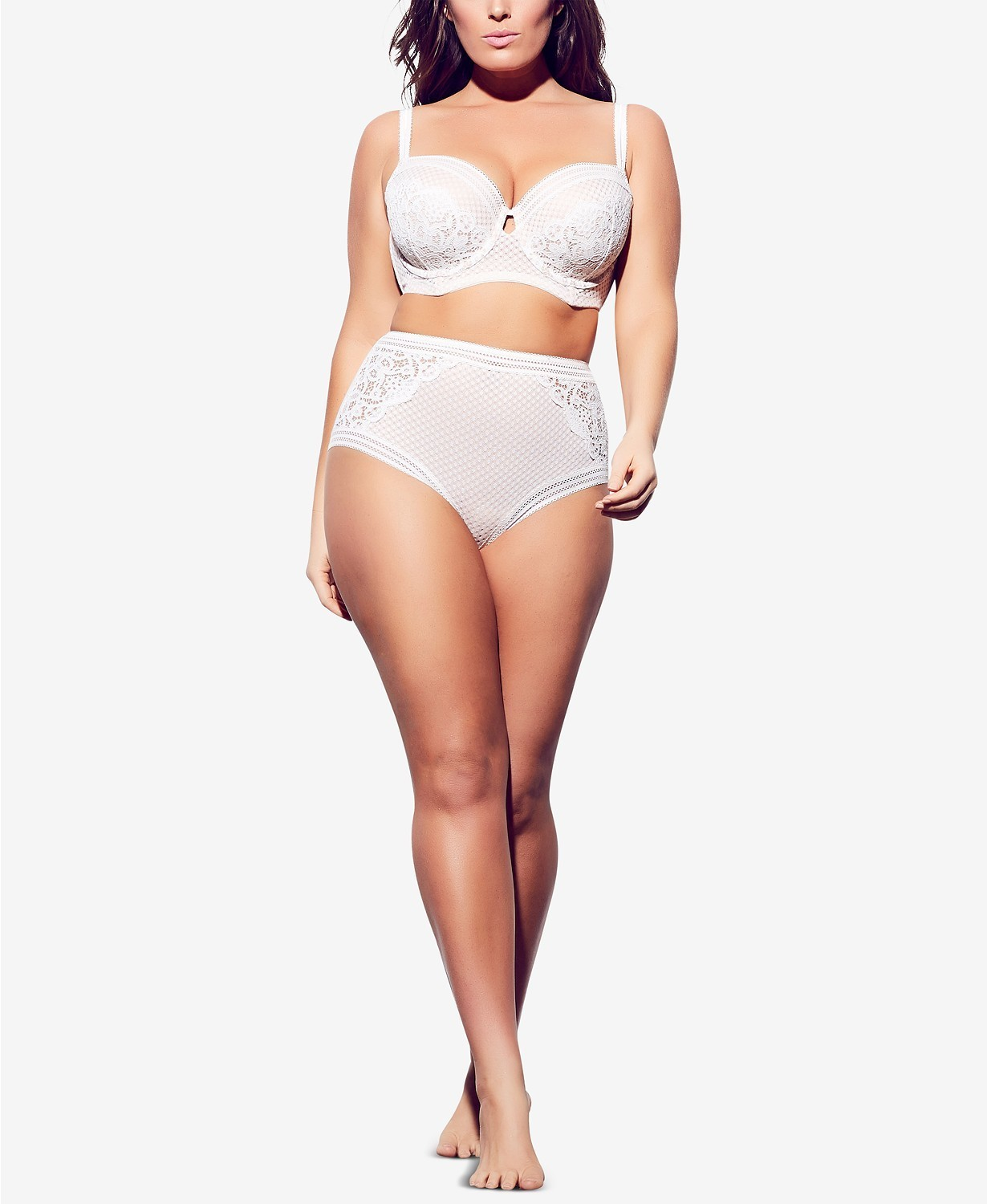 Plus Size Lingerie: The Best Baby Dolls, Teddys, Bras, And Bustiers For 2019