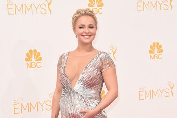 Hayden Panettiere's Maternity Gown at the 2014 Emmys (Photos)